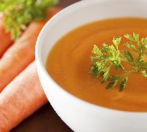 Aromatyczna zupa marchewkowa z imbirem i sokiem pomarańczowym [przepis]