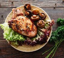Stek z polędwicy wołowej z grzanką, foie gras, skorzonerą i sosem z madery - przepis restauracji Focaccia