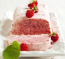 Parfait z poziomek: przepis na mrożony deser