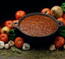 Sos mięsno-jarzynowy: idealny do makaronu [przepis]