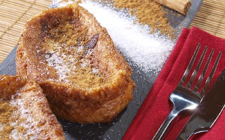 Pijani rycerze - pomysł na deser z czerstwego chleba i reszek wina