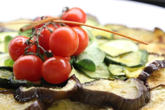Cukinia i pomidory - jakie danie można z nich przyrządzić? [Przepis]