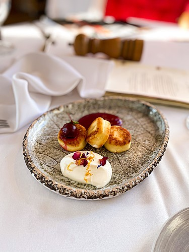 Odeskie syrniczki, deser specjalnie przygotowany na Fine Dining Week 2020