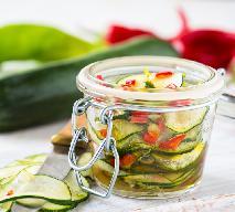 Cukinia w oliwie z chili i czosnkiem - przepyszna cukinia do słoików