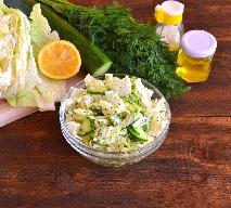 Surówka krymska z kapusty pekińskiej i zielonego ogórka: łatwy przepis na zieloną sałatkę