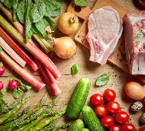 Rabarbar do mięsa: 3 przepisy na wytrawne przetwory z rabarbaru
