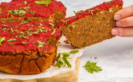 Pożywny klops z soczewicy i warzyw: pyszny i oszczędny przepis