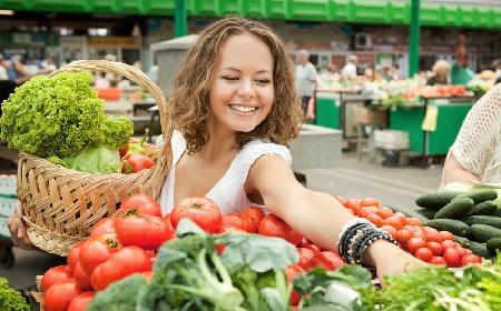 Zakupy na bazarku - jak kupować i jak przechowywać warzywa kupione na targu?