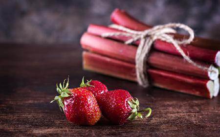 Ciastka rabarbarowo-truskawkowe z kremem cytrynowym - sprawdzony przepis