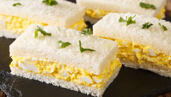 Sandwicz z pastą jajeczną po japońsku