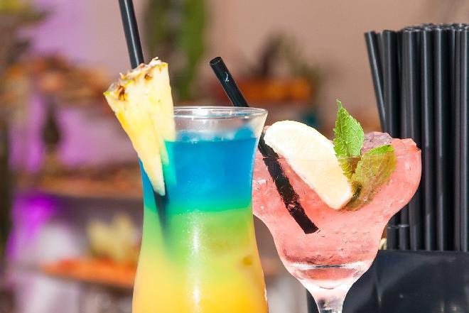 Sex on the beach - przepis na modnego drinka